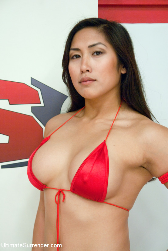 Mia Li at Ultimate Surrender