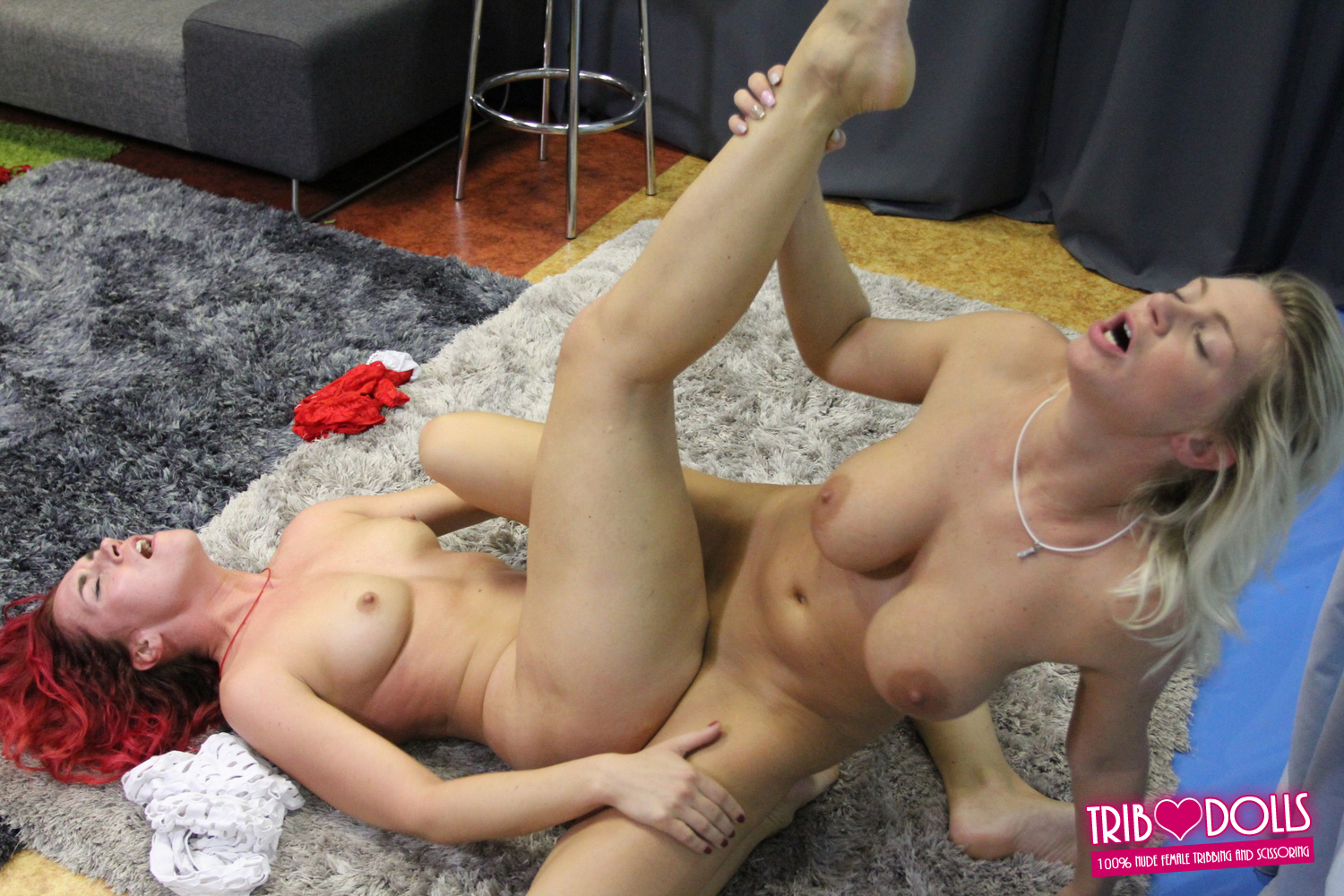 Hot lesbian sexfight blonde Eva vs redhead Luna at Trib Dolls